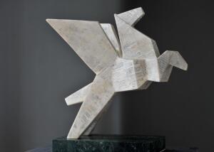 Mit, rzeźba, marmur Carrara, 59x56x23 cm, 2020